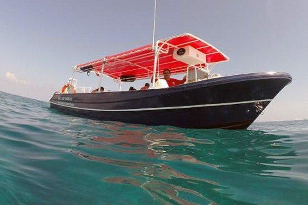 cozumel diving speed boat